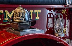 firemen-fire-helmet